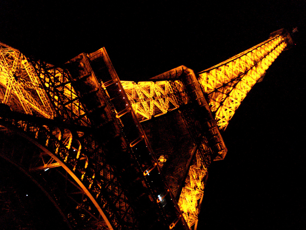 """Paris/2009"""" by rhiannonmckinley is licensed under CC BY 2.0"