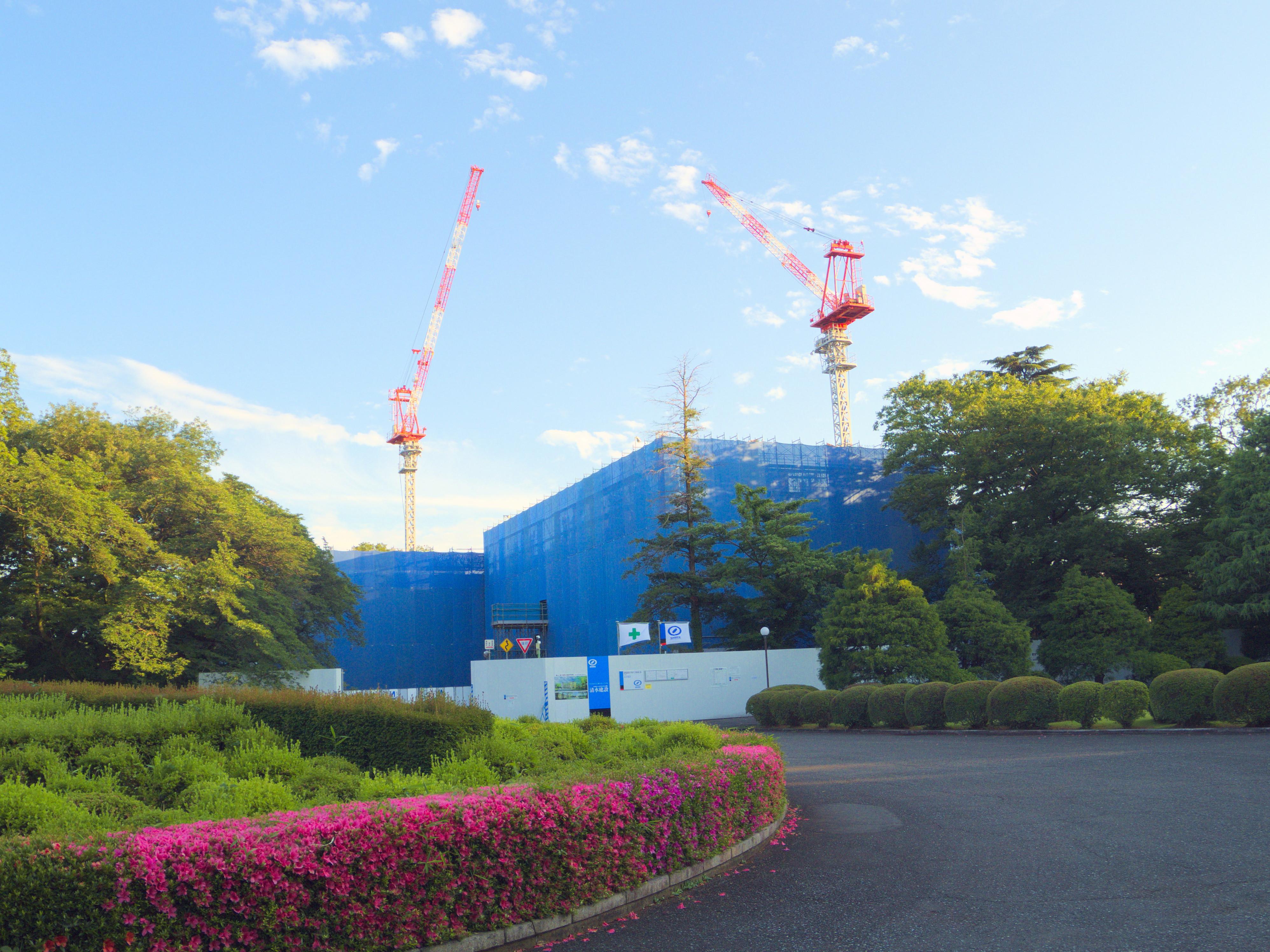 第二男子寮跡地では新しい学生寮2棟の建設が進められている。これもキャンパス・グランド・デザインの一環だ。